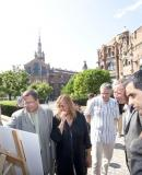 Ramon García-Bragado looking at the restoration project together with Gemma Sendra, Director of the Sant Pau heritage buildings
